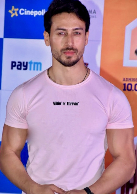 Tiger Shroff Biography Wiki/Bio, Age, Height, Girlfriend, Family, Filmy Career & More ...